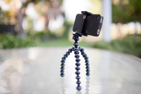 JOBY-GripTight-GorillaPod-Stand-for-smartphones-1