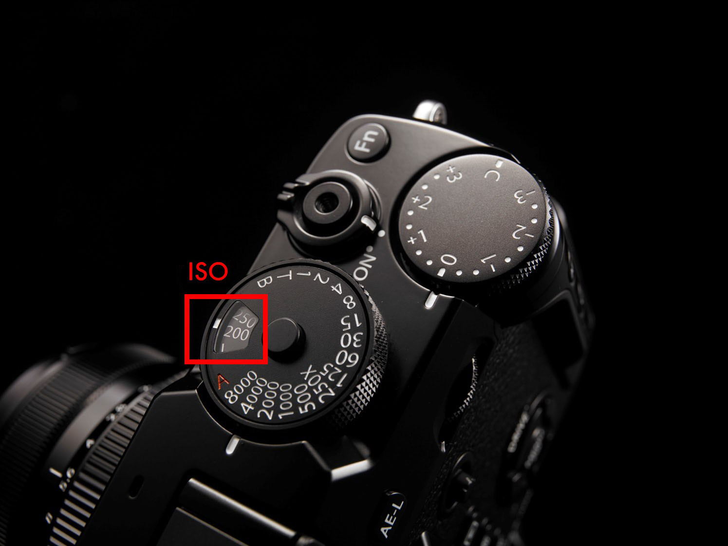 Fujifilm-X-Pro-2-ISO-Dial-integrated