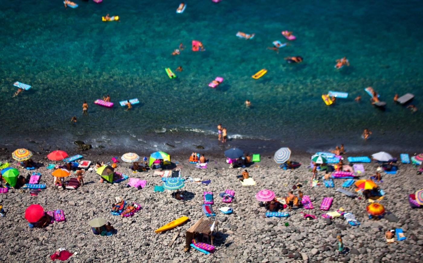 Lorenzo-Grifantini-Beach-Street-Photography-4